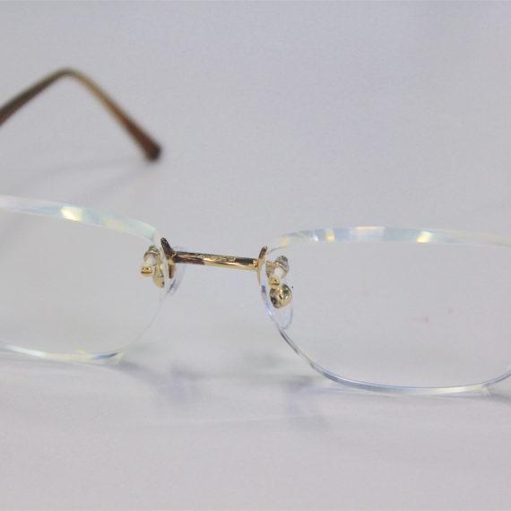 Changement de verres sur montures anciennes remises en état Minima et Chanel.