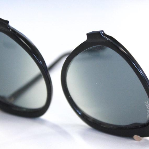 Réparation de lunettes TOM FORD solaires cassées en deux.
